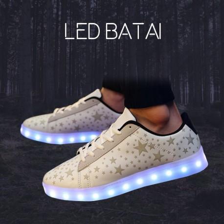 Balti LED batai su žvaigždutėmis