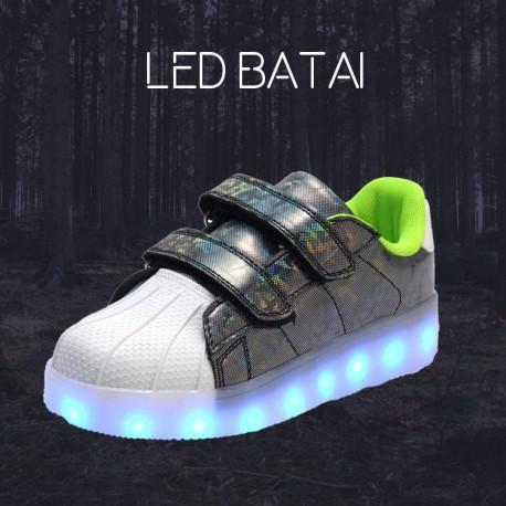 Blizgantys pilki LED batai