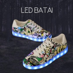 Spalvoti LED batai