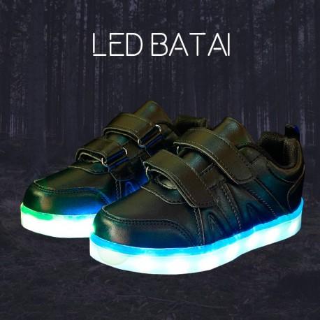 Juodi LED batai