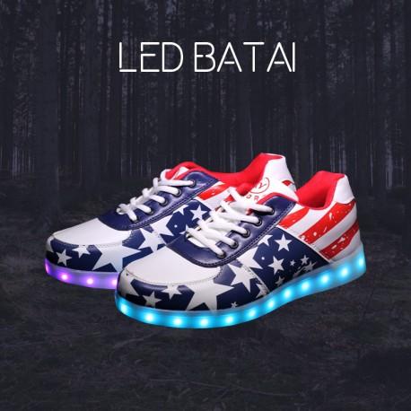LED batai su JAV vėliavos elementais