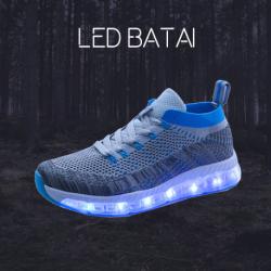 Šviesiai mėlyni LED batai