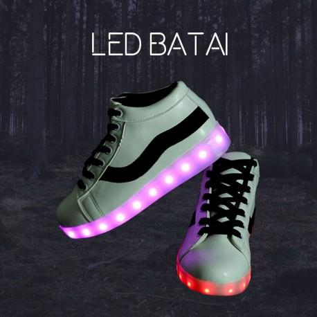 Balti LED batai su juoda juostele