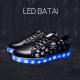 Juodi LED batai su kaukolėmis