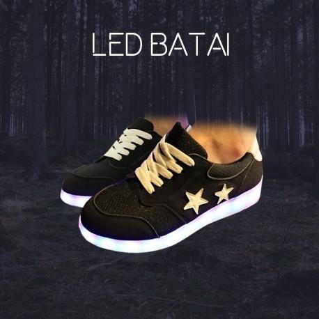 Juodi LED batai su žvaigždutėmis