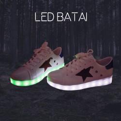 Balti LED batai su žvaigžde