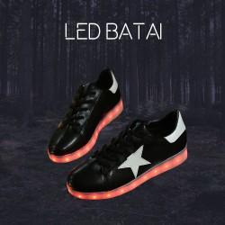 Juodi LED batai su balta žvaigžde