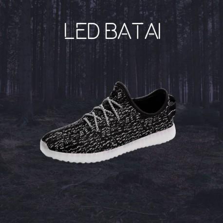Tamsūs LED batai
