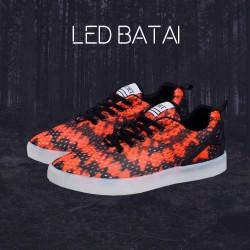 Oranžiniai LED batai