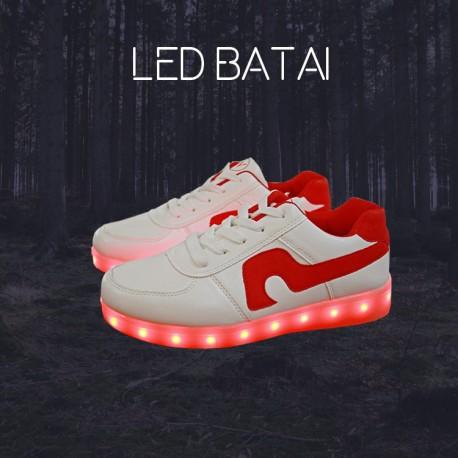 Balti LED batai su raudona juostele